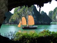 Tuyệt diệu câu chuyện hang Trinh Nữ – Vịnh Hạ Long