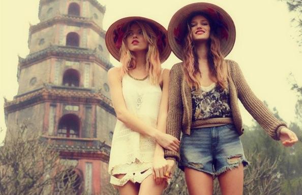 Du lịch hà nội với nón lá