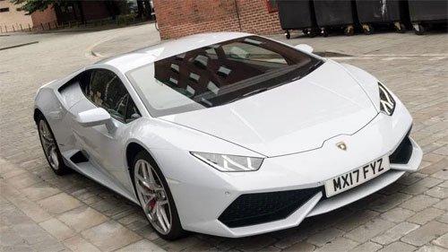 Ở Anh Lamborghini Huracan được cấp biển taxi